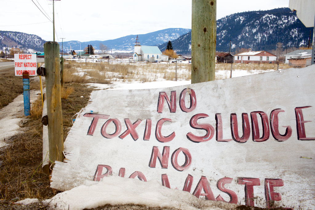 Tar%20sands%20refinery The promised land: A new pipeline pits Canada's thirst for oil against its commitment to First Nations Environment Featured [your]NEWS